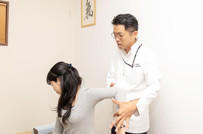 触診・脈診でお体の状態をしっかり確認します